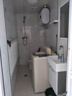 (站前区)玫瑰花园2室1厅1卫700元/月49m²简单装修出租