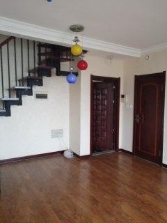 2室2厅2卫1800元/月97m²出租